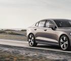 沃尔沃汽车推出新的S60运动型轿车