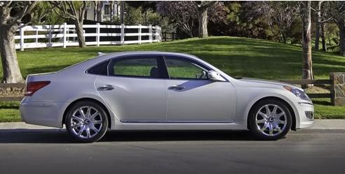 现代汽车在纽约车展上推出了其雅科仕豪华轿车