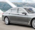 宝马750d xDrive配备了全新的3升柴油四涡轮增压发动机