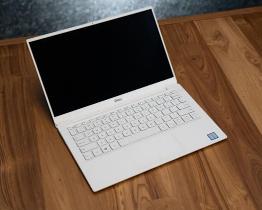 以低于850美元的价格购买带触摸屏的2019年戴尔XPS 13