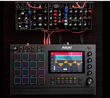 Akai的MPC Live II是带有内置扬声器的便携式录音棚