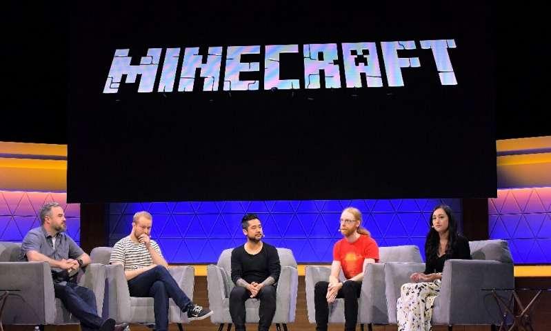 玩家在大流行中深入研究建立Minecraft游戏