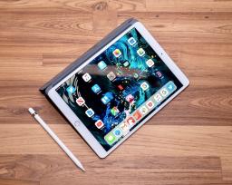 苹果256GB iPad Air的售价为549美元