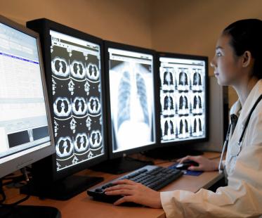 大学医院实施基于AI的移动X射线系统